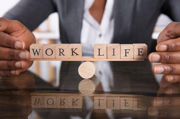 AdobeStock_work_life_balance_komprimiert